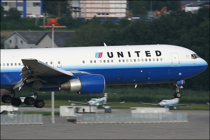 United airlines hand baggage allowance